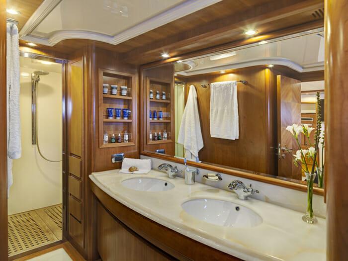 Aimilia Master Bathroom