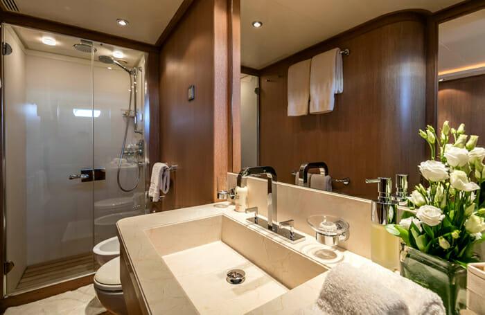 Alexia AV Twin Bathroom
