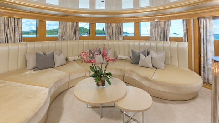 Andiamo 195 Master Cabin Observation Room