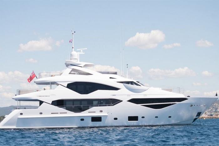 Yacht Aqua Libra 131