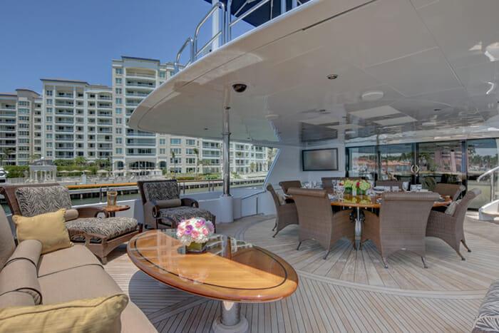 Aquasition skylounge deck