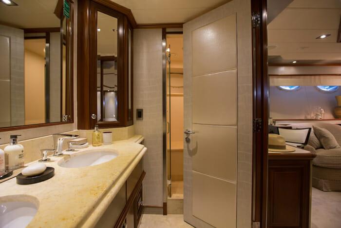 Ascari 1 master bathroom