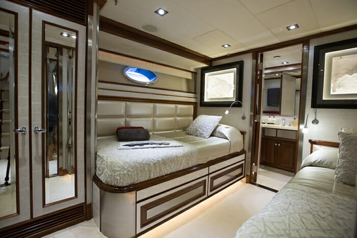 Ascari 1 twin cabin