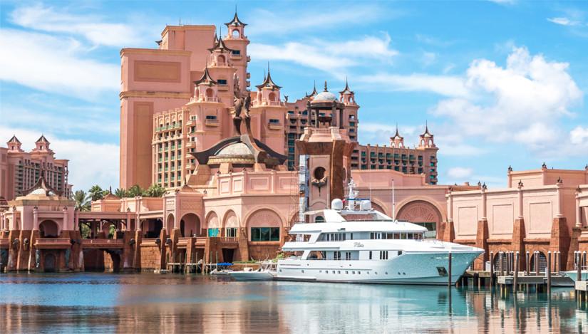 Atlantis Bahamas hotel and yacht