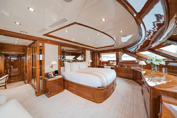 Aura Master Cabin