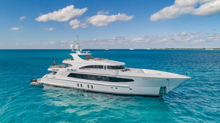 Bahamas motor yacht