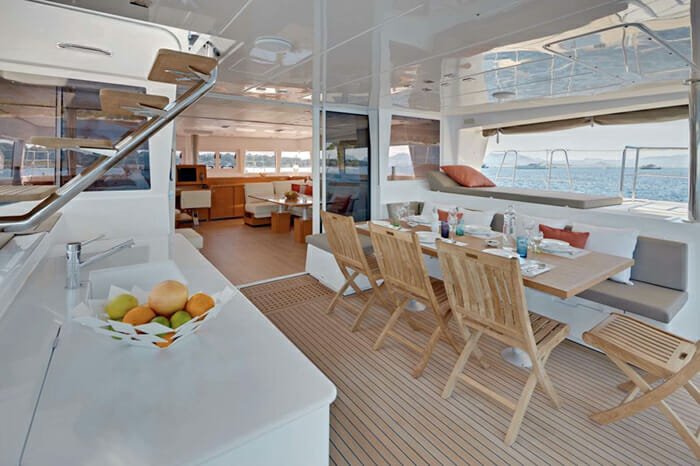 Catamaran GB Odyssey - aft deck dining