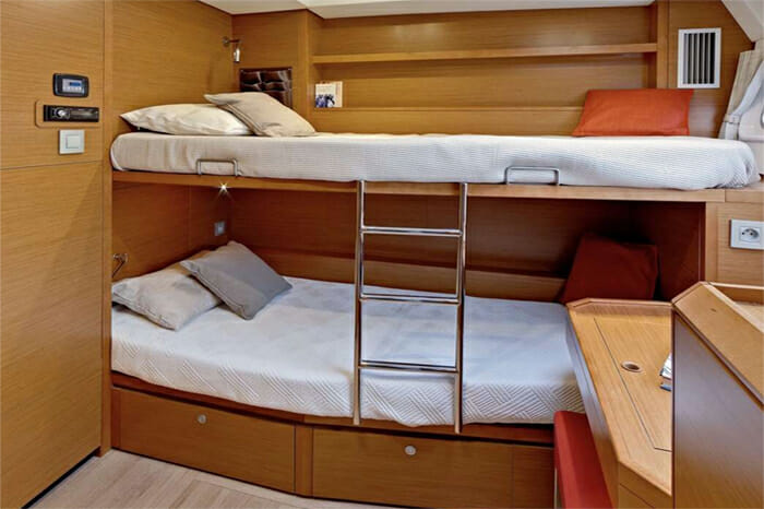 Catamaran GB Odyssey - bunk cabin
