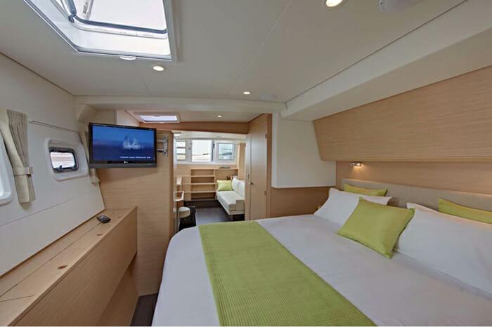 Catamaran GB Odyssey - master cabin