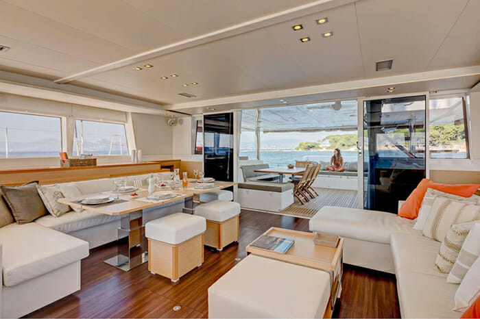 Catamaran GB Odyssey - salon