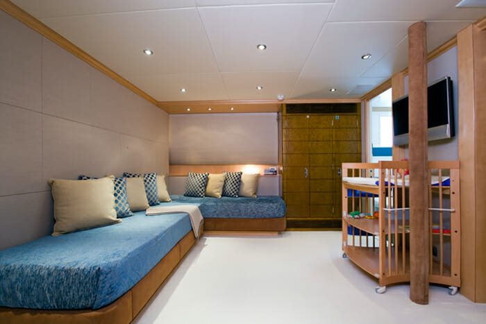 Deep Blue II Kids cabin