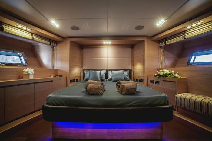Eleven 1 VIP Cabin