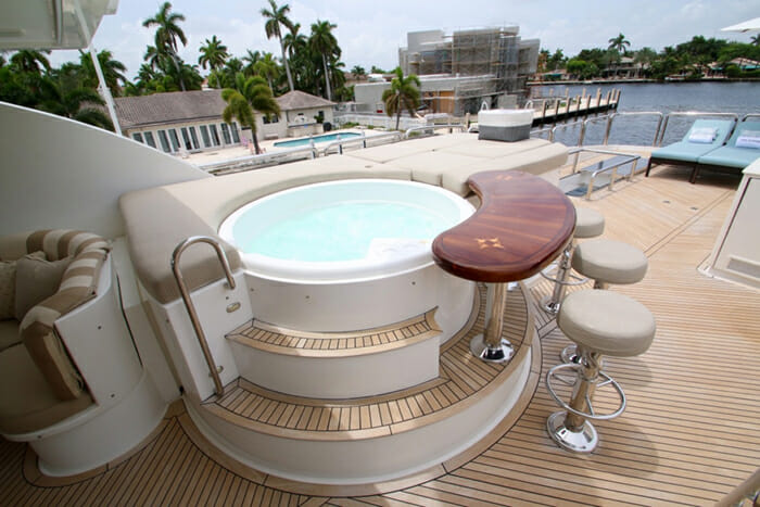 Exit Strategy Flybridge Jacuzzi