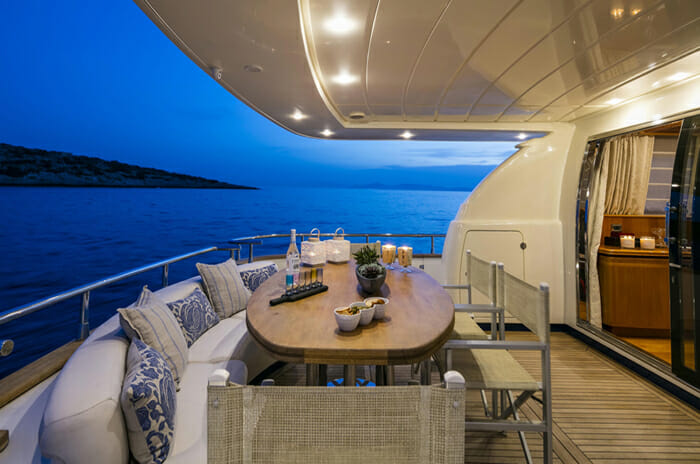 Georgeous Aft Deck