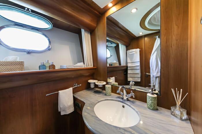 Georgeous Double Cabin Bathroom