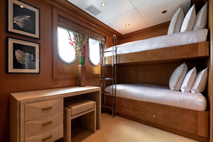 Helios 193 Bunk Cabin