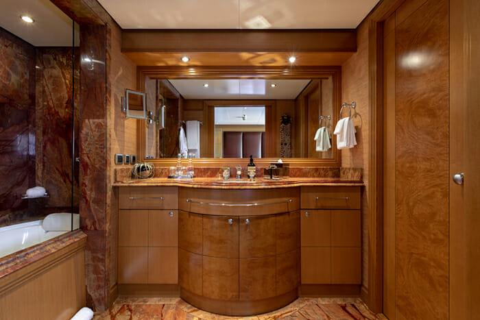 Helios 193 Guest Bathroom 1