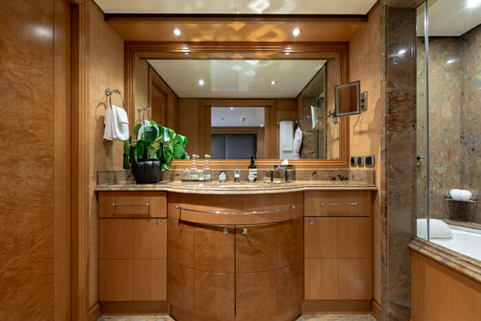 Helios 193 Guest Bathroom 2