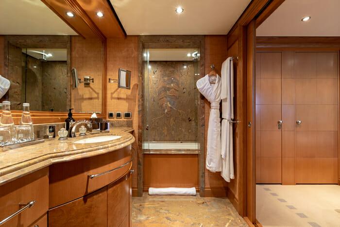 Helios 193 Guest Bathroom 3