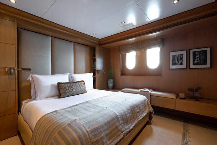 Helios 193 Guest Cabin 4