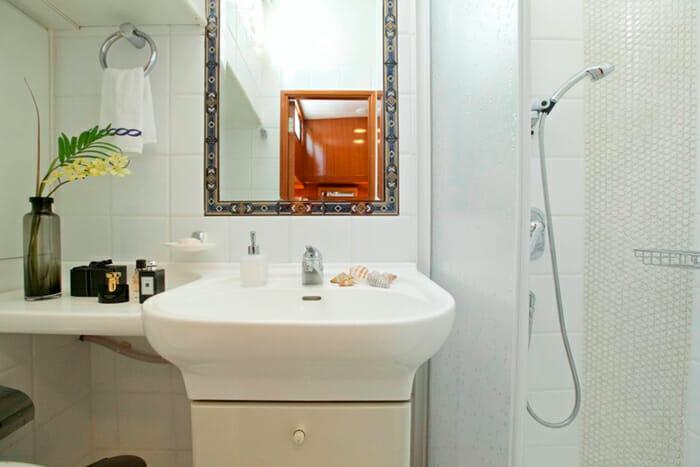 Hermina Guest Bathroom 2