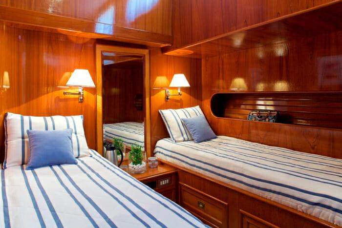 Hermina Twin Cabin