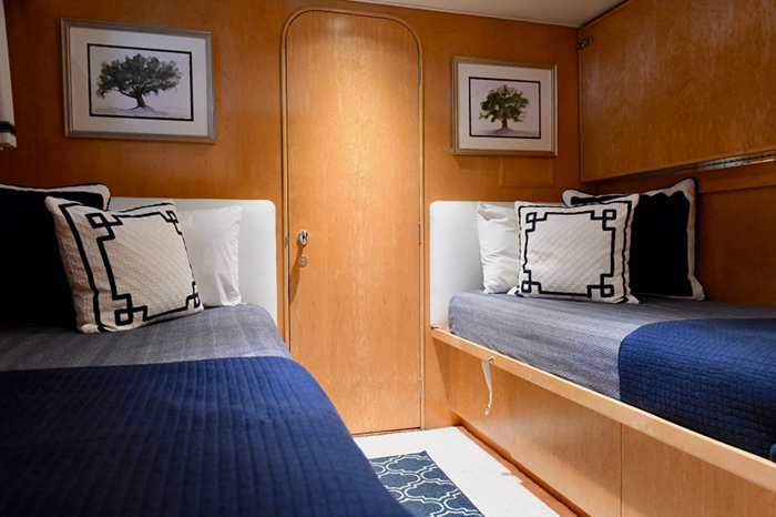 Impulse Yacht Twin Stateroom