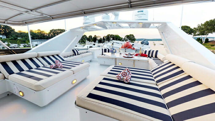 Independence 3 Flybridge