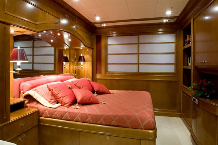 Insignia Guest Cabin