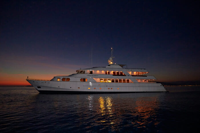 Lady Ellen II By Night