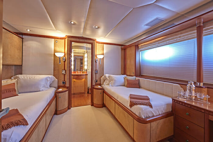 Lady Ellen II Twin Cabin