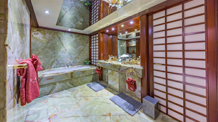 Lady S Master Bathroom