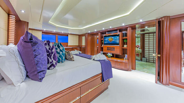 Lady S Master Cabin