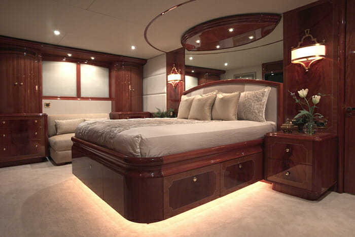 Le Reve Master Cabin