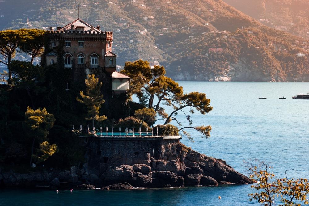 Luxury sailing - Italy