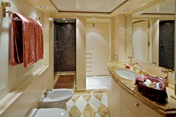 Mia Rama Guest Bathroom