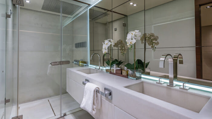 Moni Master Bathroom