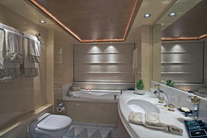 O'Neiro VIP Bathroom