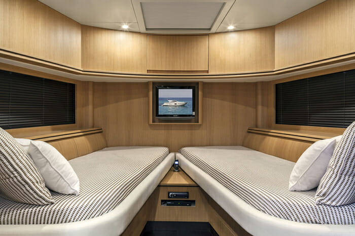 Rena 73 Twin Cabin