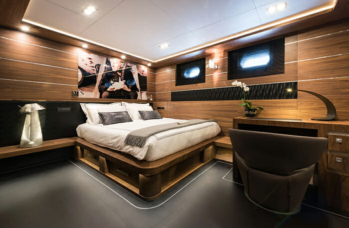 Rox Star Guest Double Cabin