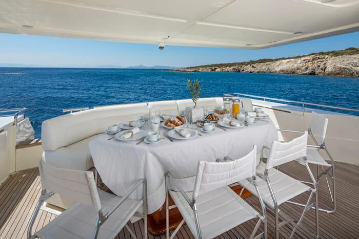 Sea Dog Aft Deck Dining