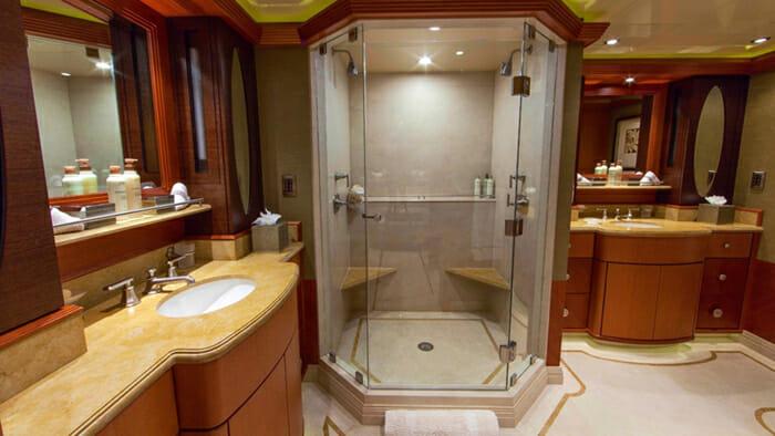 Skyfall VIP Bathroom