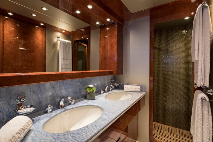 Sole Di Mare Double Bathroom
