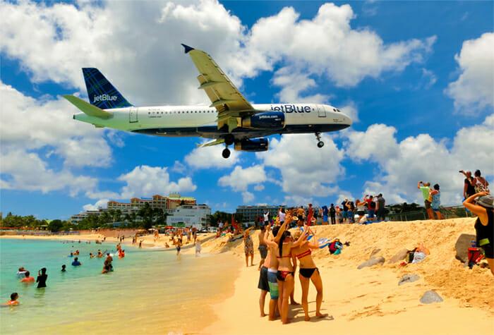 St Maarten airplane landing
