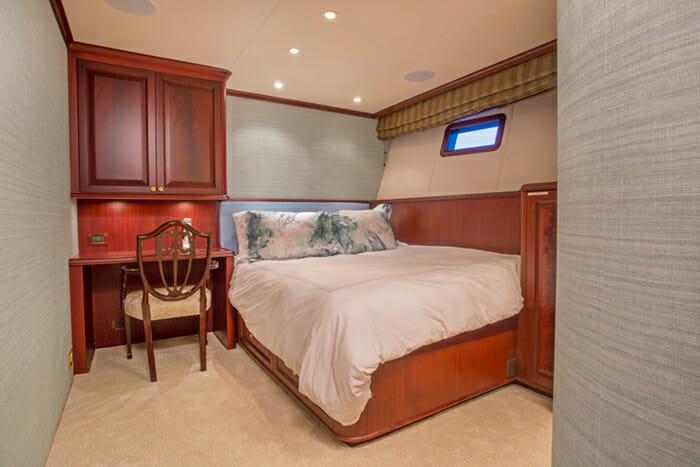Starlight Guest Cabin