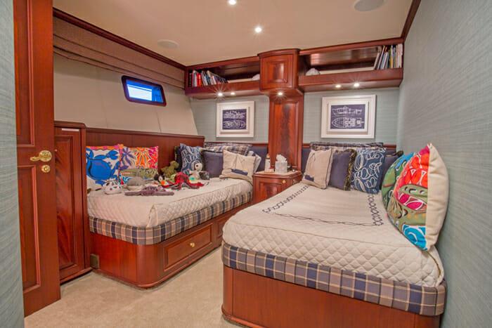 Starlight Twin Cabin