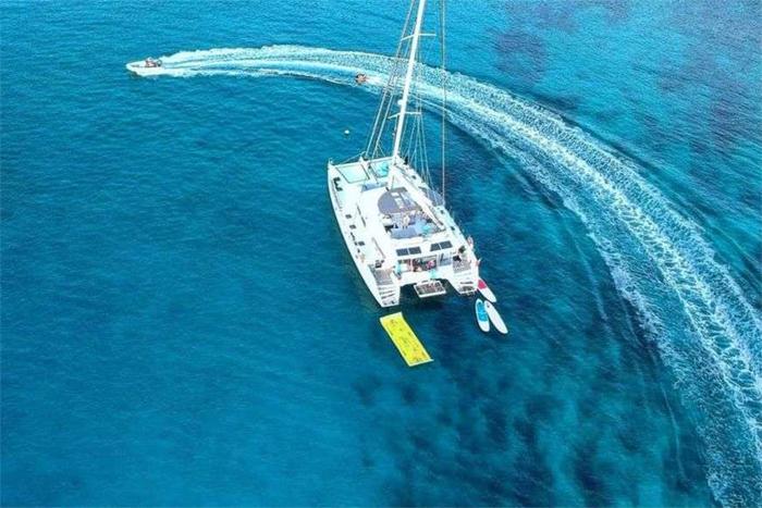 Viramar catamaran