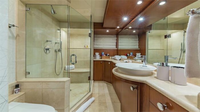 Yacht At Last Guest Bathroom 2