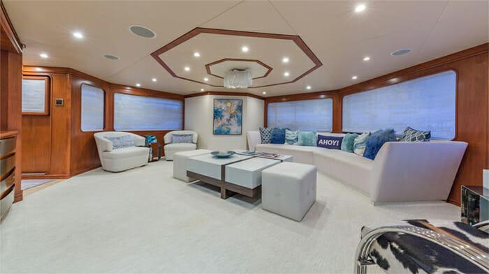 Yacht At Last Salon looking aft