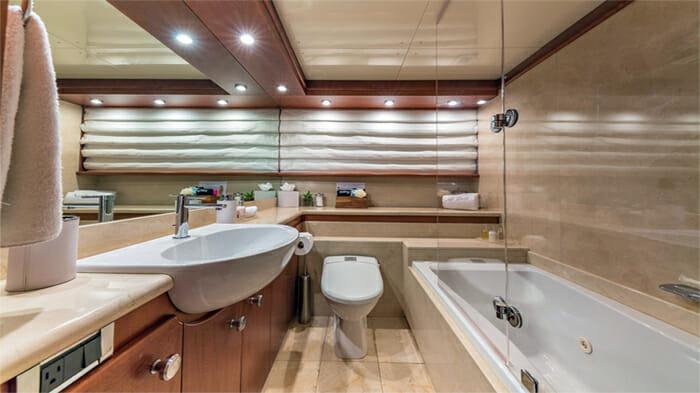 Yacht At Last Twin Bathroom